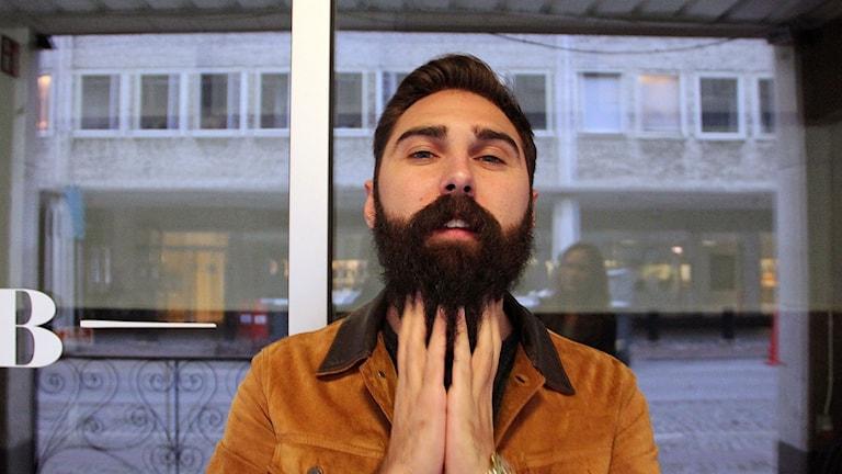 """Viktor Serra, en av tio finalister i tävlingen """"En Karl med skägg"""". Foto: Lina Sundahl Djerf"""