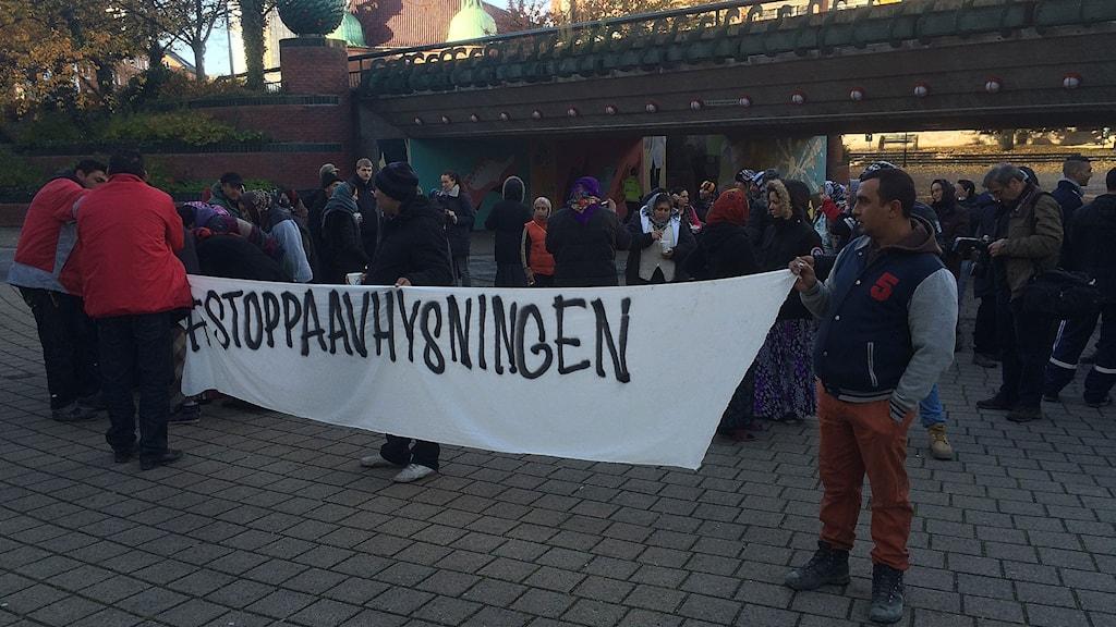 EU-migranter protesterar inför avhysningsbeslut i Malmö. Foto: Dimitri Lennartsson/Sveriges Radio