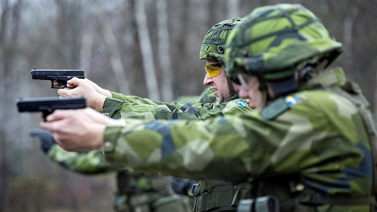 kjutövning under en av Hemvärnets introduktionskurser. Foto: Christine Olsson/TT