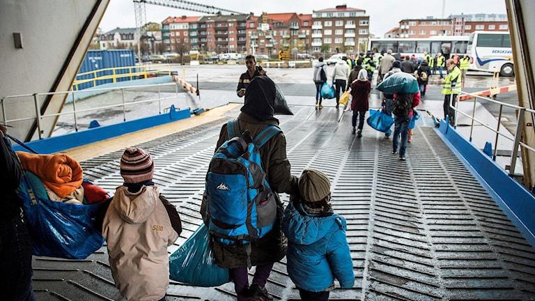 Flyktingar anländer till Trelleborg med TT-Line färjan från Rostock. Foto: Marcus Ericsson/TT