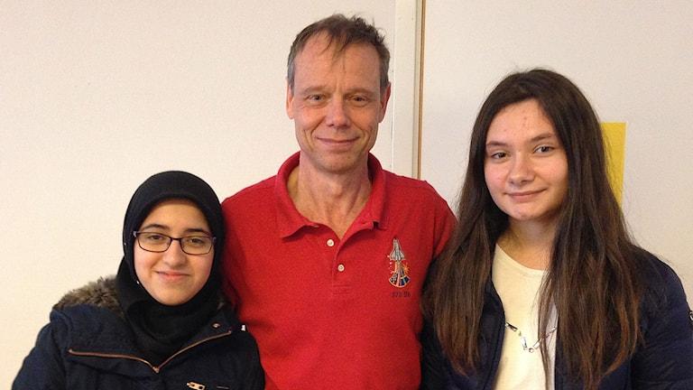 Amerah Al-Kefagy, Christer Fuglesang och Sara Osmani. Foto: Sandra Neergaard-Petersen/Sveriges Radio
