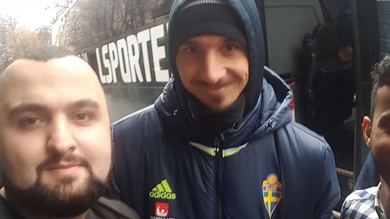 Hamza Ftouni  träffade Zlatan Ibrahimović. Foto: Hamza Ftouni/Sveriges Radio