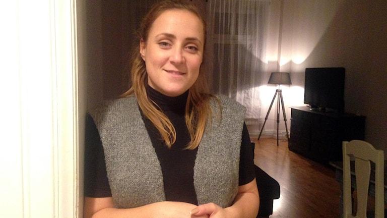 Anette Laufer i Malmö söker efter en större lägenhet att flytta ihop med sin partner i. Foto: Özgur Karlidag/Sveriges Radio