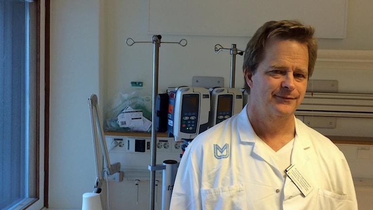 Richard Ingemansson, överläkare i thoraxkirurgi vid Skånes universitetssjukhus i Lund. Foto: Petra Haupt/Sveriges Radio