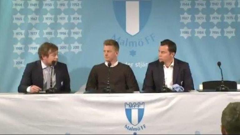 Danske mittfältaren Anders Christiansen har skrivit på för Malmö FF. Skärmdump från Malmö FF:s presskonferens.