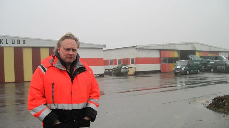 Landskrona flygklubbs ordförande Mats Edefelt på Enoch Thulins flygplats.