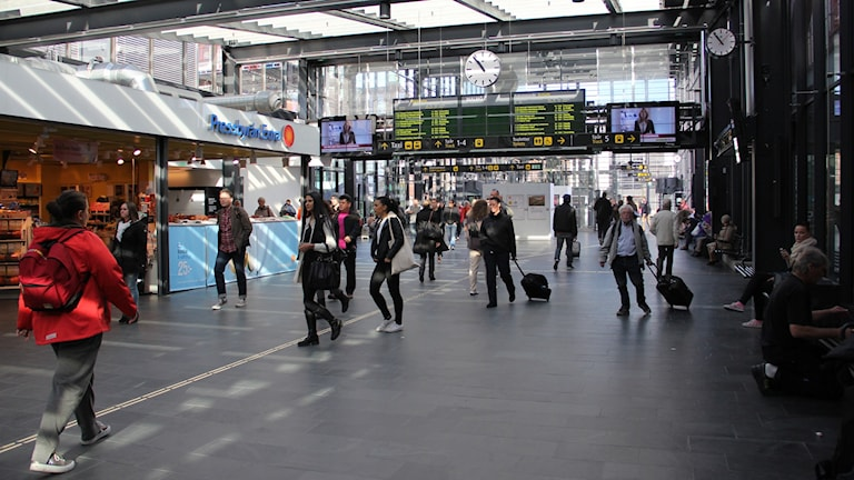 Resenärer på Malmö Central. Foto: Maria Andersson/Sveriges Radio