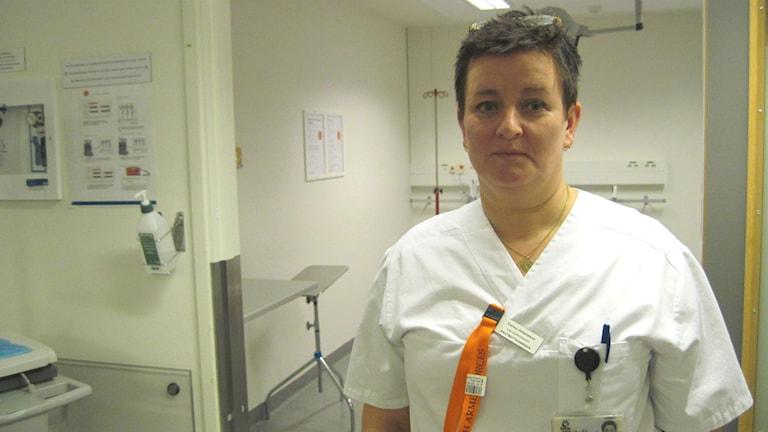 Sjuksköterskan Carina Johansson tog intitativ till att bjuda in regionpolitikerna till akuten i Helsingborg