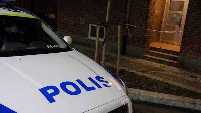 Avspärrning efter dödsskjutning i Landskrona. Foto: Johan Nilsson/TT