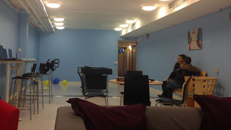 Här får tjejerna vara själva i sprillans nymålade lokaler. Foto: Jonathan Hansen/Sveriges Radio