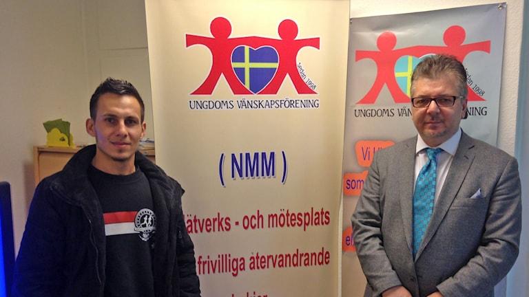 Mohammed Abdulateef Fattah och Muhammed Khorshid var med när center som ska hjälpa irakier återvända hem invigdes i Malmö. Foto: Jonathan Hansen/Sveriges Radio.