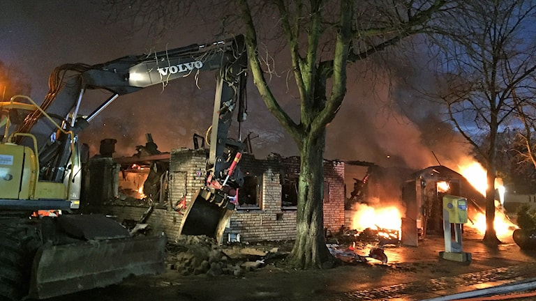 Kraftig brand i restaurang i centrala Trelleborg. Foto: Anton Kalm/Sveriges Radio.