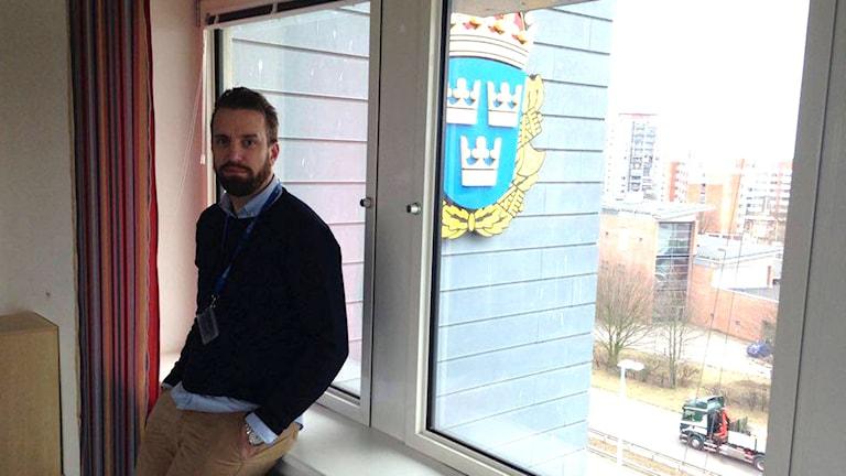 Fredrik Brokopp i polishuset i Helsingborg. Foto: Cecilia Ekman/Sveriges Radio