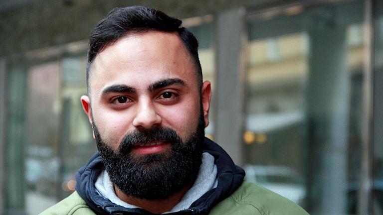 Arez Said, företagare i Malmö som vill inspirera unga att våga satsa och gå sin egen väg. Foto: Hans Zillén/Sveriges Radio.