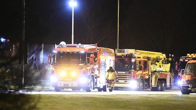 En kraftig brand rasade i en friskola i Jägersro i Malmö natten till söndag. Foto: Emil Langvad/TT.