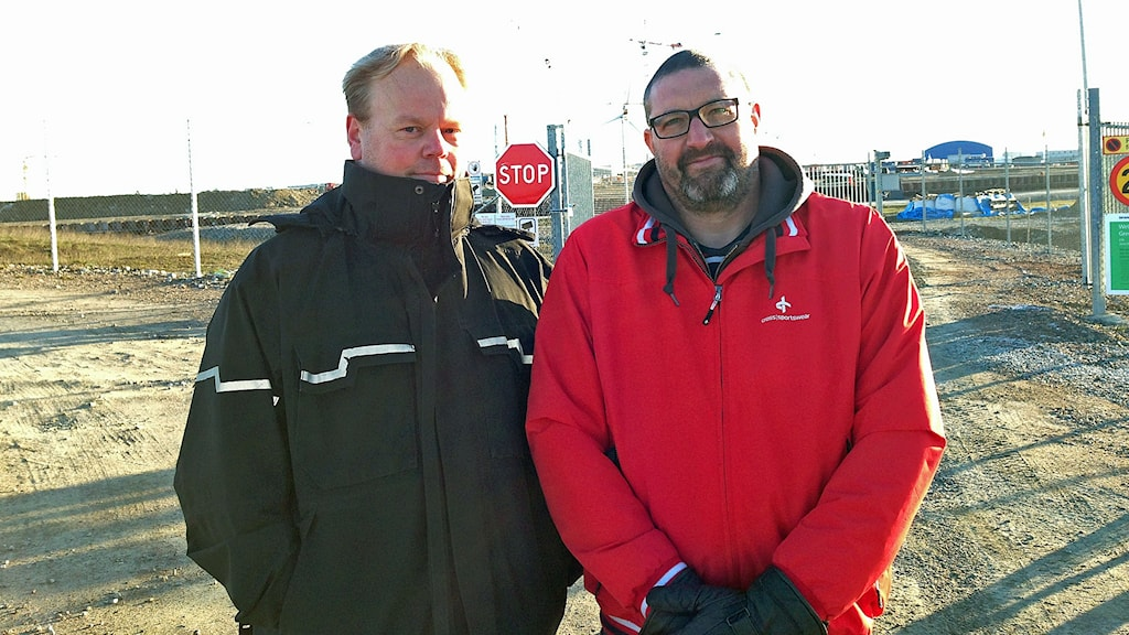 Magnus Andersson, huvudskyddsombud och Stefan Pusztai, lagbas Vid ESS i Lund. Foto: Kajsa Nordmark/Sveriges Radio
