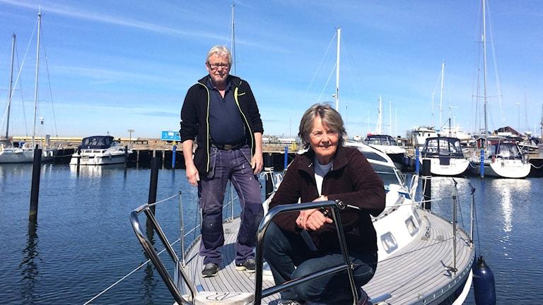Klas Olsson och Annika Svärd Lossme på segelbåten Lady.