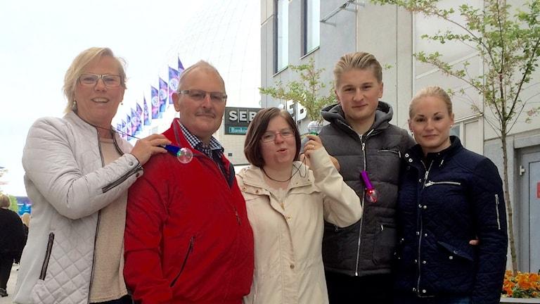 Ingrid Holm, Bengt Ask, Angelica Heino, Simon Johansson och Rebecca Ask såg genrepet i går. Foto: Petra Haupt/Sveriges Radio