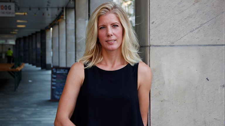 Anna Karolina är polis och författare.
