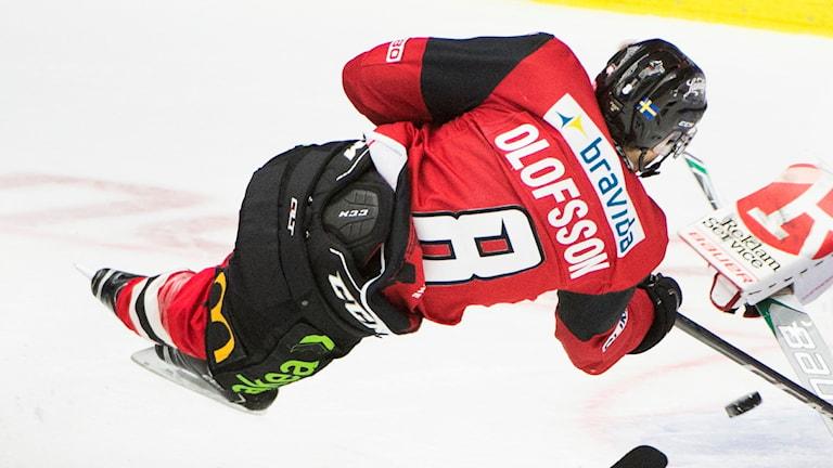 Johan Olofsson gör mål.