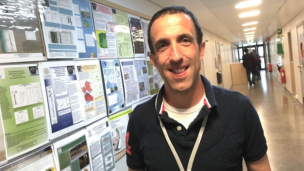 Peter Mooney från irländska Maynooth University håller i ett seminarium om crowdsourcing vid en konferens om geodatta i Lund.