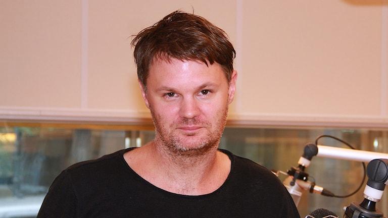 Kolbjörn Guwallius kommer ut med reportageboken Ordningsvakter: nödlösningen som blev permanent.