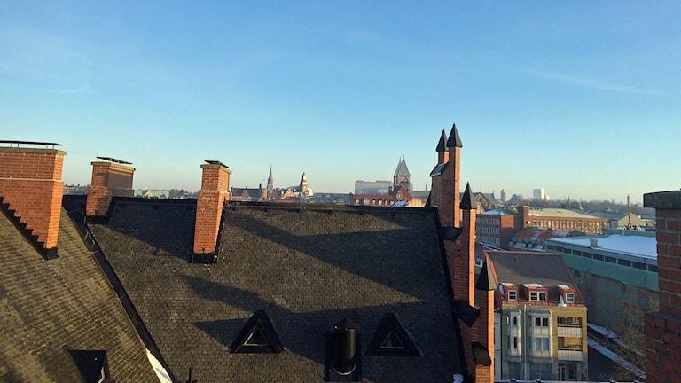 Härlig utsikt över Lund från Katedralskolans tak. Foto: Martina Greiffe/Sveriges Radio.
