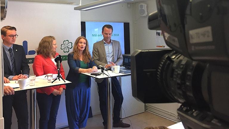 Helsingborgs budget presenteras på presskonferens.