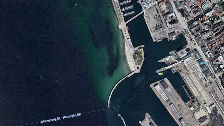 Satellit bild över strandområde.