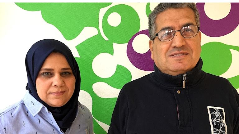 Seenaa al Shohani och Ghassan Raja som är på väg mot jobb.