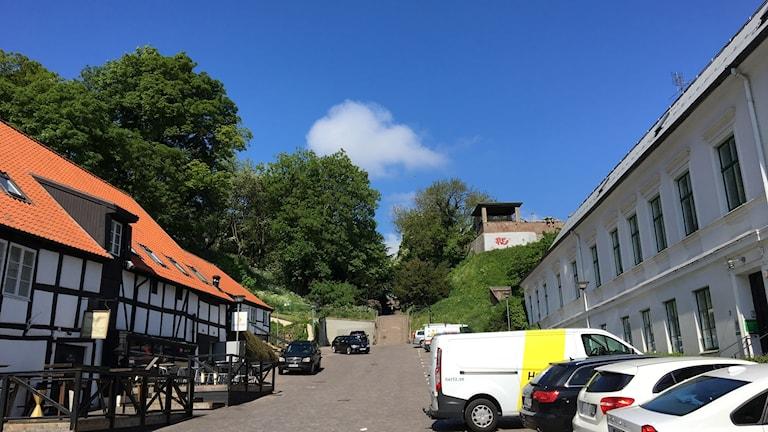 Det är här, i landborgen ovanför Billeplatsen i Helsingborgs centrum, som det underjordiska garaget ska byggas.