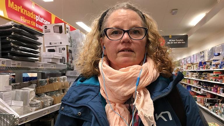 Eva Carlsson i Hörby säger att oberoende mediebevakning av kommunen är viktig för demokratin. Foto: Sandra Neergaard-Petersen/Sveriges Radio.