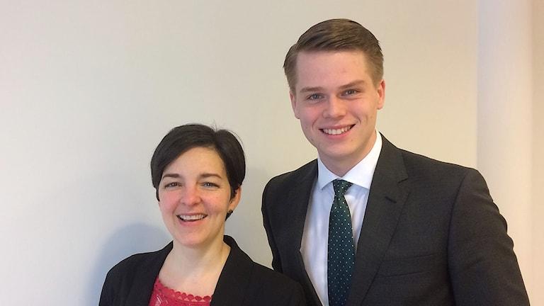 Dolores Öhman (MP), ordförande i beredningen för e- hälsa och Simon Röstin (M), vice ordförande.