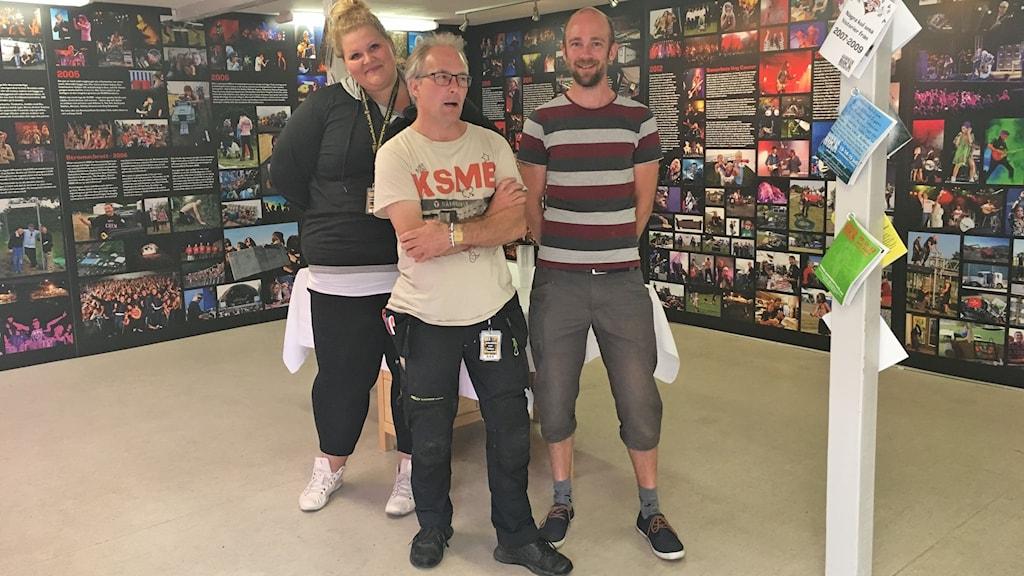 Fia Sandström, Tobias Annerfeldt och Filip Roxlund, volontärer på festivalen.