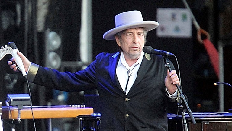 Bob Dylan på scen.