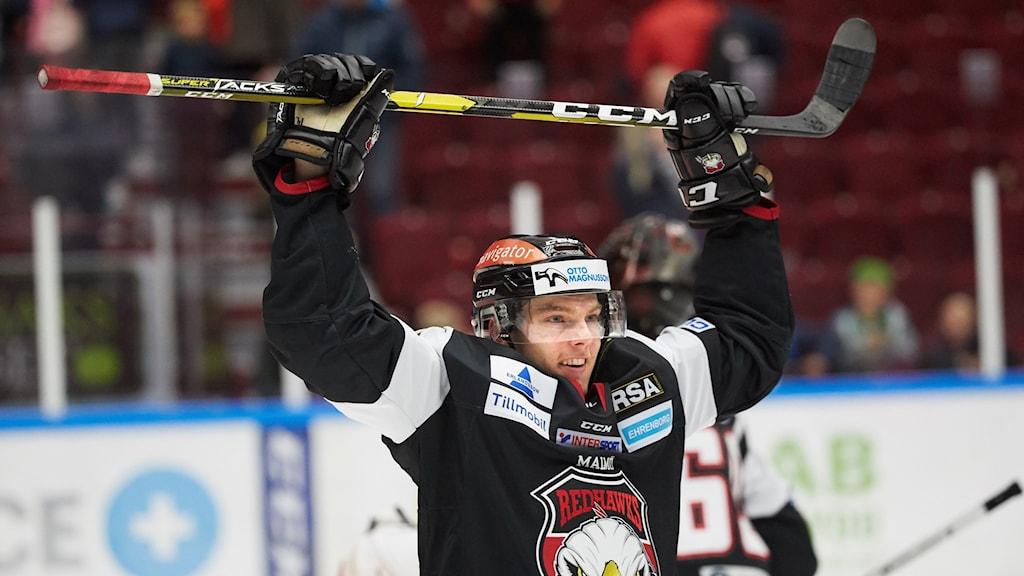 Malmö Redhawks Carl-Johan Lerby under lördagens ishockeymatch i SHL mellan Malmö Redhawks och Djurgårdens IF i Malmö Arena.