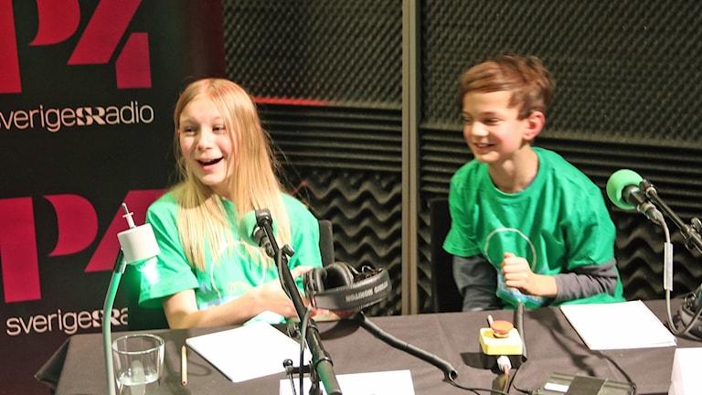 Segerjubel i Vi i femman för Alva Stala och Seth Zamora Nolev i IESL klass 5D från Lund. Foto: Hans Zillén/Sveriges Radio.