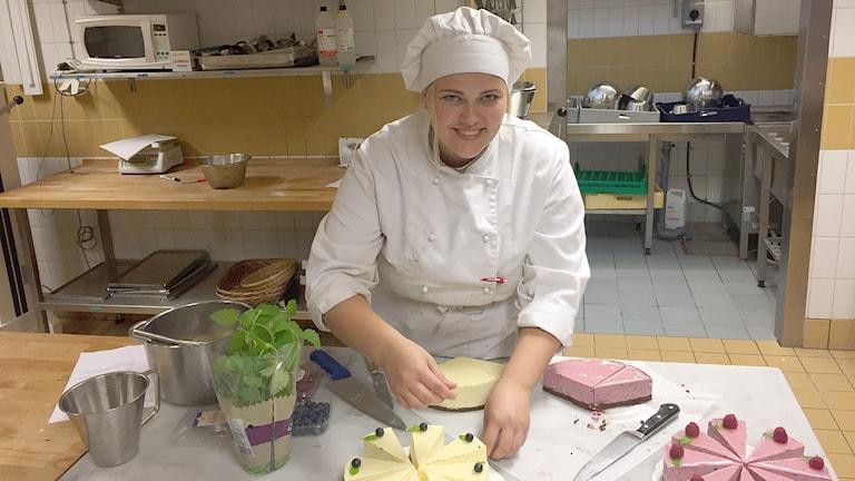 Josefin Adler går på restaurang- och livsmedelsprogrammet på Vipan i Lund. Foto: Anna Landelius/Sveriges Radio
