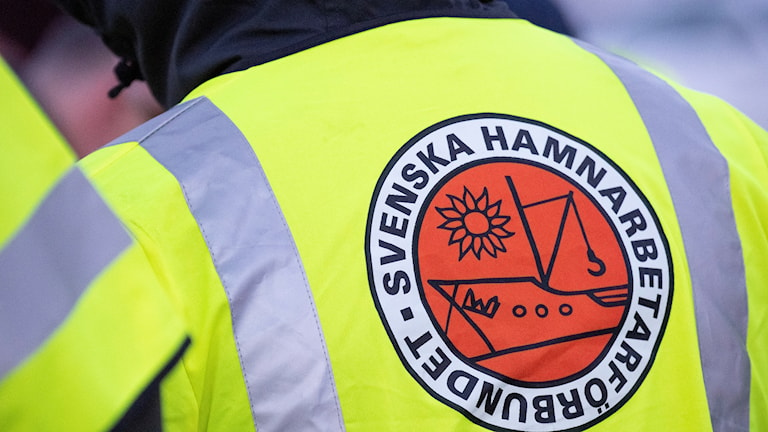 Strejkande hamnarbetare. Foto: Johan Nilsson/TT.