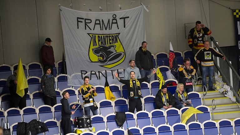Panterns supporterklack. Foto: Björn Lindgren/TT.