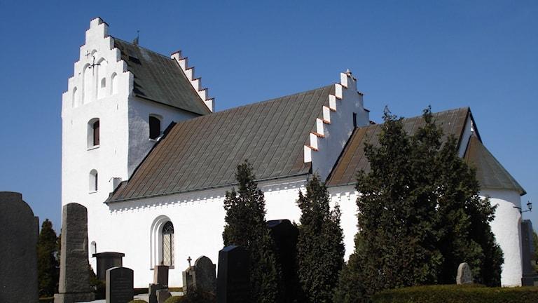 Kyrkoköpinge kyrka byggdes på 1100-talet.
