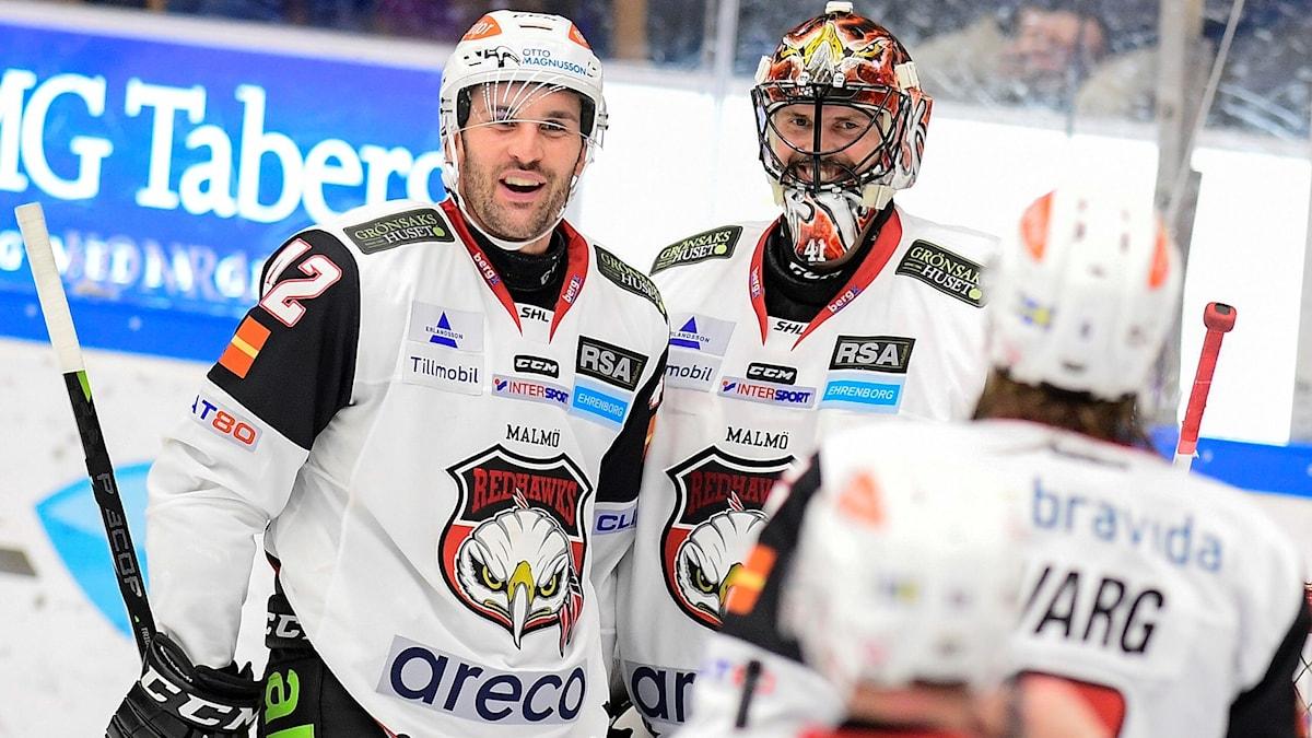 Malmös Niklas Arell och Cristopher Nilstorp efter 0-1-segern.
