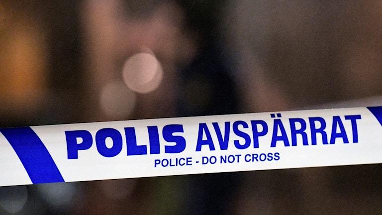 Polisens avspärrningar runt ett trapphus. Foto: Johan Nilsson/TT