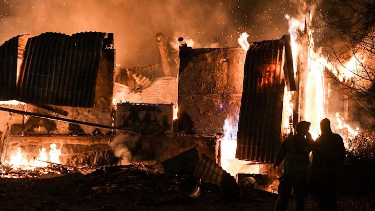 Kraftig villabrand i Äspinge utanför Hörby - man greps misstänkt för att ha tänt på. Foto: Johan Nilsson/TT.