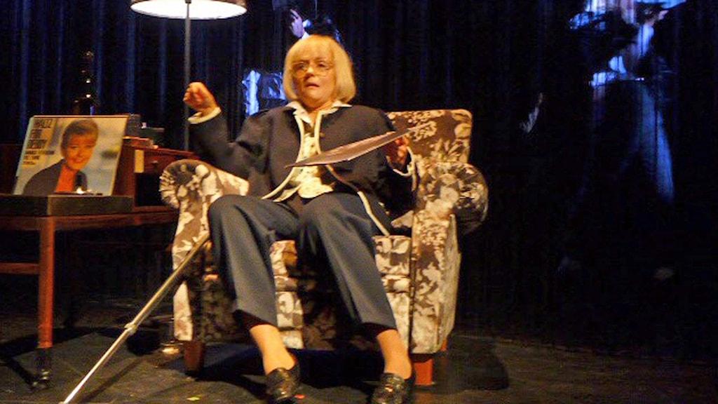 Mari Götesdotter spelar Monica Z på Hipp. Foto: Lars Ekman/Sveriges Radio.