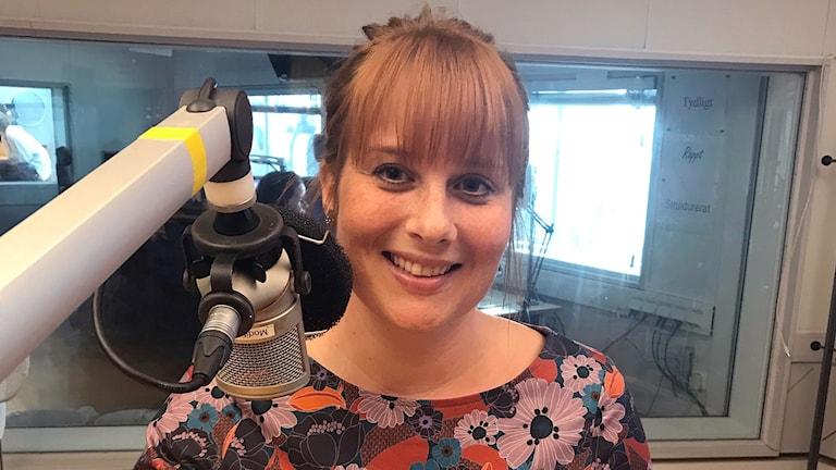 Charlotte Cederlund, brandingenjör som skrivit en barnbok om bränder. Foto: Sofie Ericsson/Sveriges Radio.