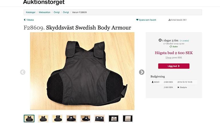 Online page showing a bulletproof vest for sale.