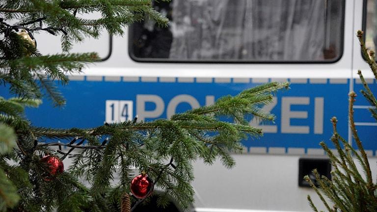 Mitt i julvimlet letar tysk polis efter en eller flera förövare.