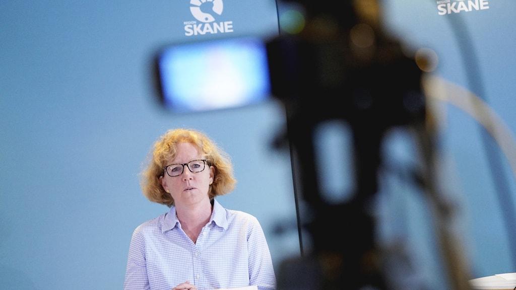 Eva Melander, smittskyddsläkare, under Regions Skånes pressträff 6 maj.