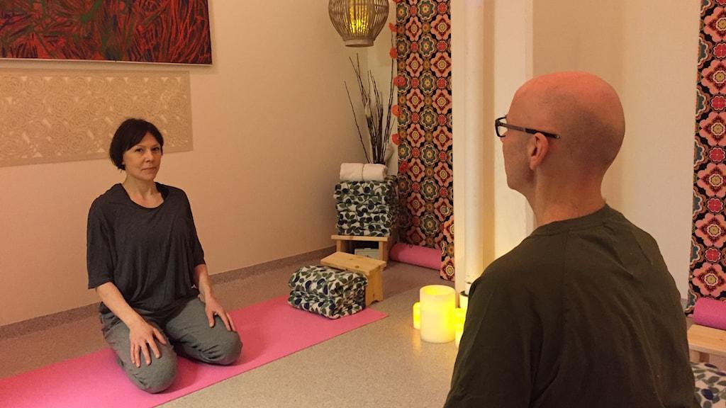 Maria Jönsson i yogarummet på Malmöhäktet